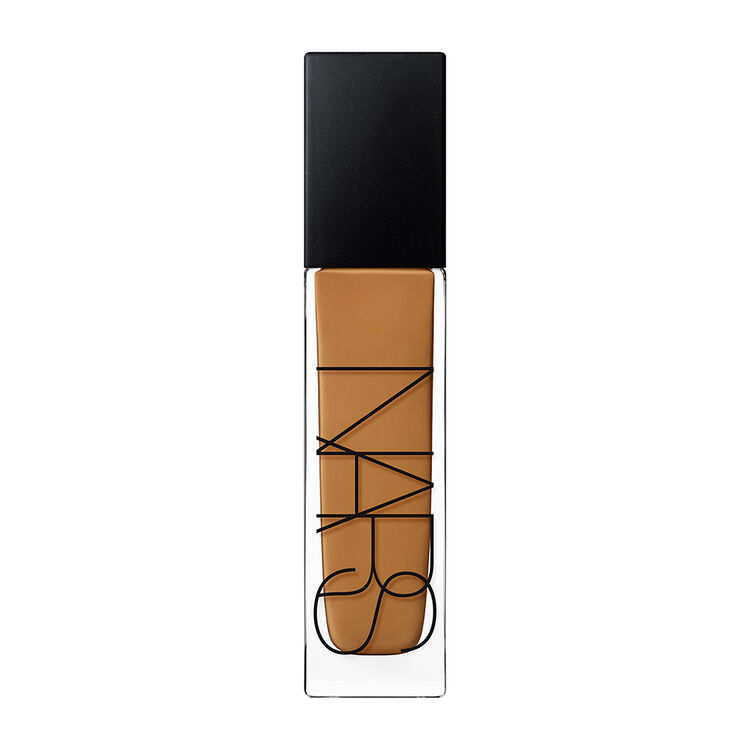 Natural Radiant Longwear Foundation, Macao