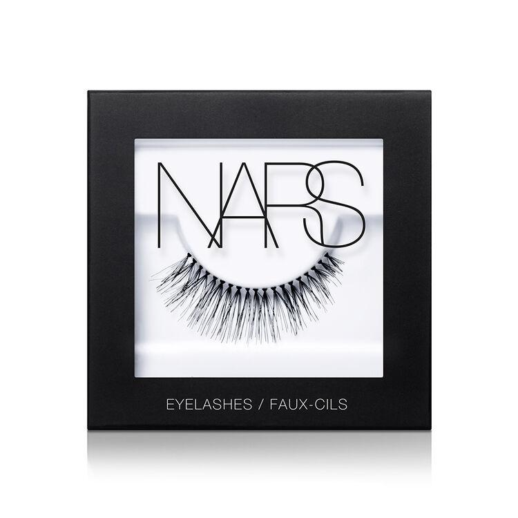 Eyelashes, Numéro 3