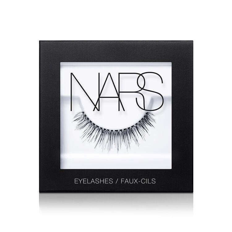 Eyelashes, Numéro 7
