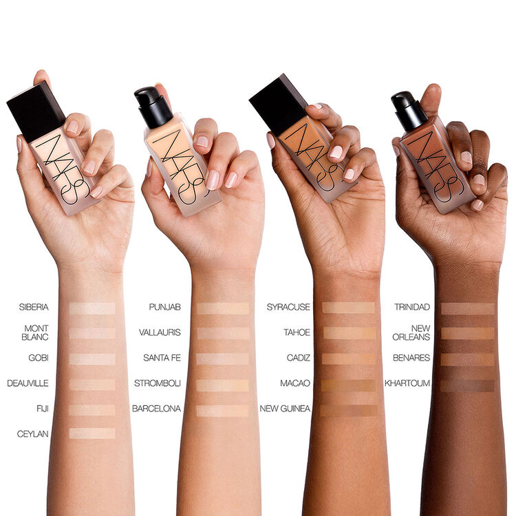 Sheer Glow Foundation by NARS #21