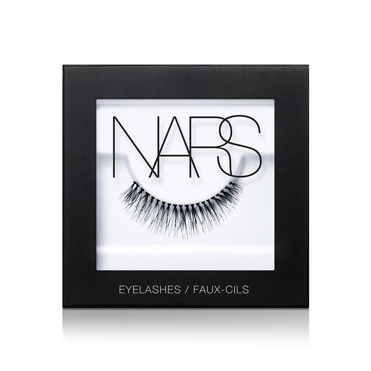Eyelashes, Numéro 1