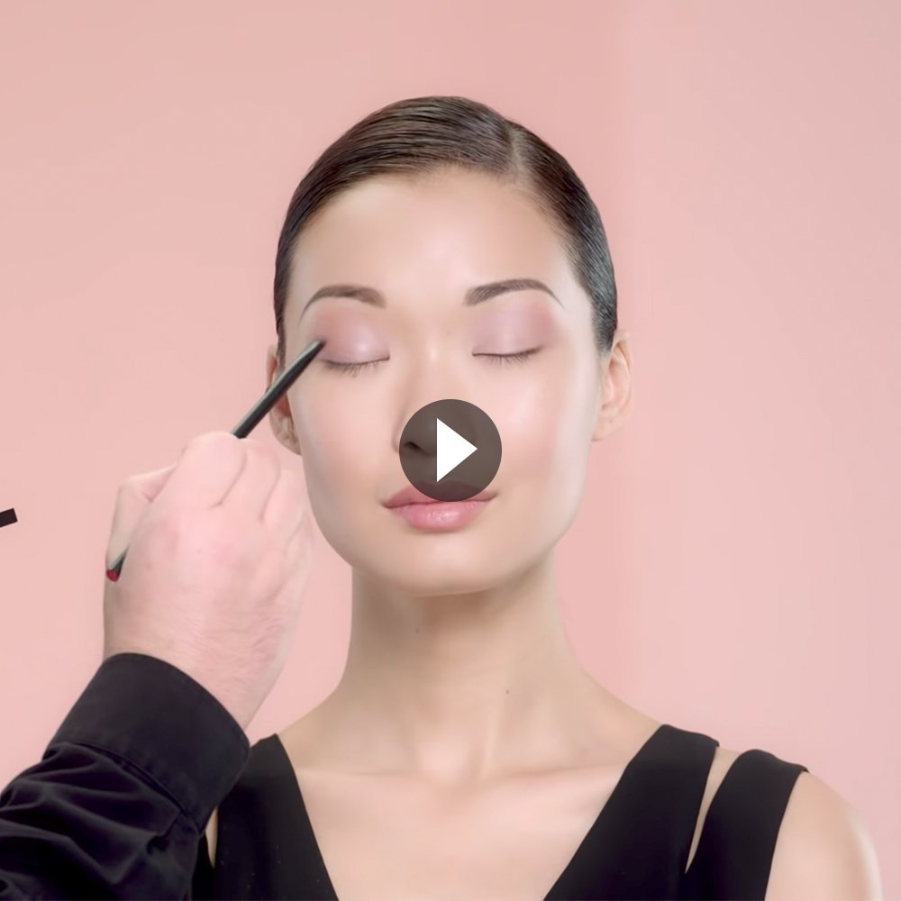 THE HOW-TO: DUO EYESHADOW